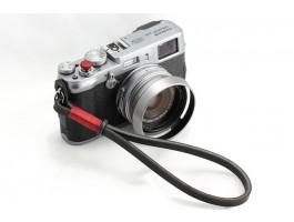 Gordy's camera strap zwart met rode draad